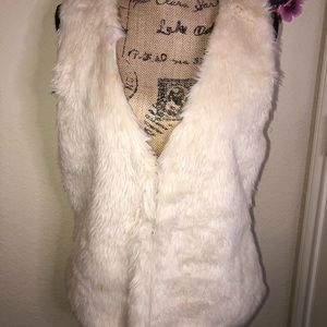 🦃New this Month: Love Tree Faux Fur Vest